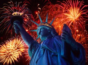 Patriotic_Wallpaper_Background_Statue_of_Liberty_Fireworks_1024x768-3